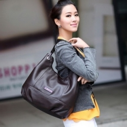 Soft Solid Leather Women's Shoulder Bag with Zipper in Black